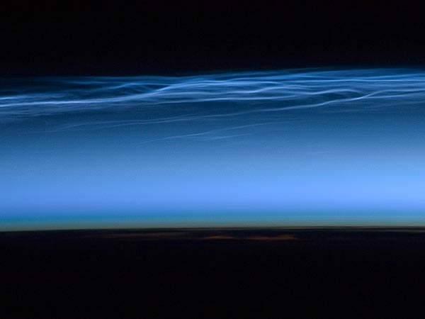 first-noctilucent-night-shining-clouds-season-from-space_56469_600x450